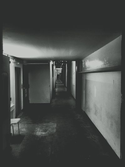 Dark Darkness And Light Shadow Shades Of Grey Light And Shadow Light Blackandwhite Black And White Black & White Floor Look Good Feeling Or Not Soullessphotography Scary View Blackandwhite Photography Black&white Black White