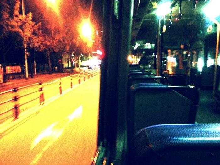 Hello World Bus Haing Out  아무도 없는 첫차 에서 창문 활짝 열고 달릴때 기분 넘 좋다