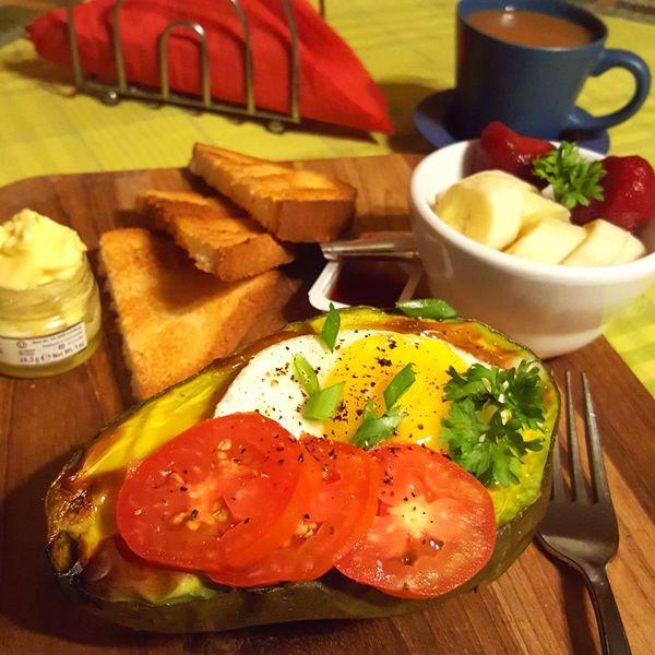 Foodphotography Food BreakfastFoodporn Foodies Avocado BakedEgg Toast🍞 Fruitbowl Breakfast ♥ Breakfast Time