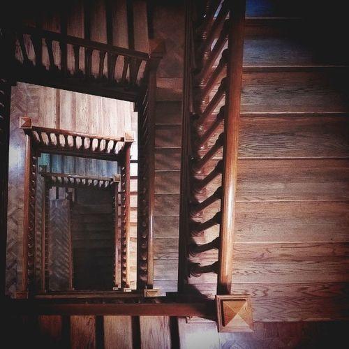 В пятницу удалось побродить по пыльным коридорам и скрипучим половицам Ленинки, в рамках библионочь ленинка Old Ladder Library Moscow Theworldneedsmorespiralstaircases
