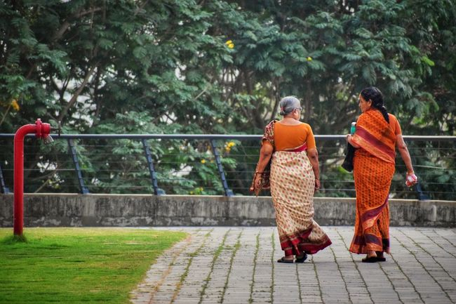 Eveningwalk Evening Time Oldwomen Walking Around The City  Friends ❤ Friendship. ♡