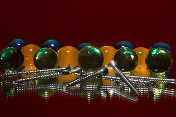Close Up Gelkugeln Makro Schrauben Screws Special Effects Still Life