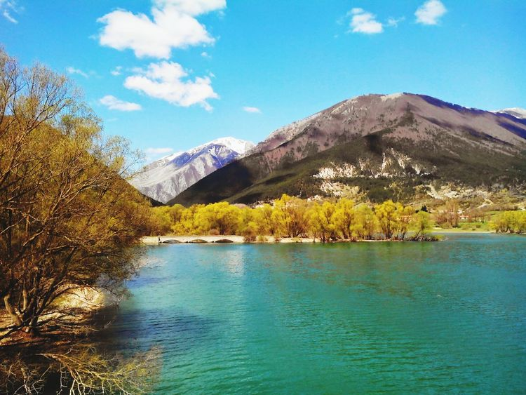 Mountain Tree Lake Scenics Landscape Beauty In Nature Travel Destinations Springtime Nature Lakesideview Placetovisit ArtWork Art Is Everywhere Gettyimagesgallery EyeEm Gallery Getty Images EyeEm Best Shots Italy🇮🇹 Italy❤️ Photography Gettyimages Italy Getty+EyeEm Collection Travel Photography National Park