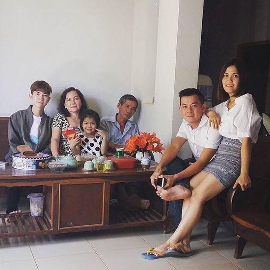 Mùng 1 nhà em 😊 Tết 2016 Vietnamboy Vietnam Boy Chinaboy Asian  Family Beauty Boys Cool Followme Funny Happy Heart Me Great