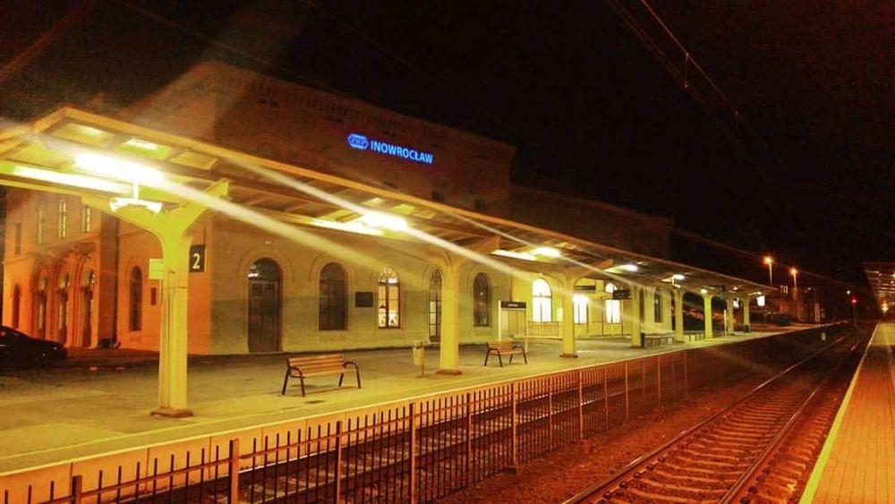 Zdjęcianiespodziewane Kr_85 Polish Inowrocław Kolej Noc Transportation Night Railroad Station Public Transportation Illuminated Railroad Station Platform Railroad Track HUAWEI Photo Award: After Dark
