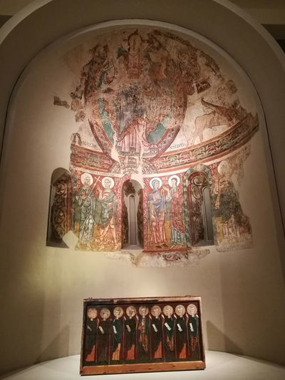 Barcelona, Spain Museo Arte Catalunya Romanico Politics And Government King - Royal Person Altar Religion Place Of Worship Spirituality Architecture Fresco Ancient Civilization Old Ruin Ancient History Mural Historic Ancient
