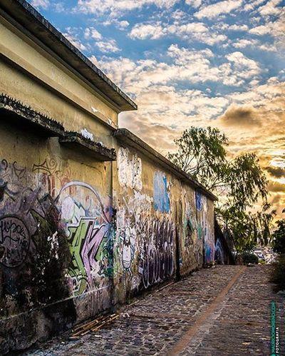 Beco em Olinda - Pernambuco, Brasil. www.mauriciomoreno.com Olinda Pernambuco Fineart Art Photography Architecture Nature Landscape Urban City Sunset Dusk Twilight Street Alley Mmorenofoto