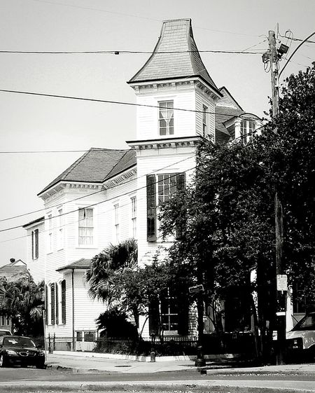 NOLA Taking Photos EyeEm New Orleans EyeEm New Orleans, LA victorian house Beautiful Home Black And White Photography historic home Historic City Tourism Queen City Vacation Time Southern Living American Life Travel Photography Historic Buildings Urban Outdoor Photography Welcome To Black