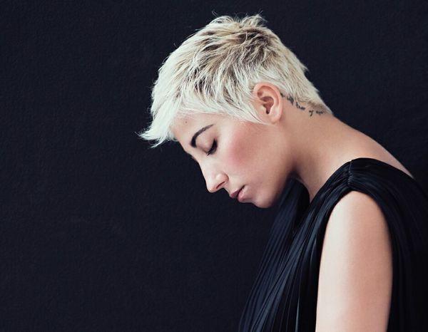 Malika Sanremo Hair BeautifulHair Ice Blonde Shorthair Sosexy