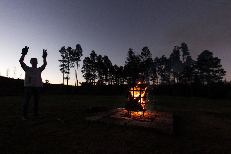Amigos Asado Asado Argentino Beauty In Nature Camping Campinglife Clear Sky Firecamp Friends Fuego Illuminated Juegos Noche Non-urban Scene Outdoors Silhouette Sky Tranquil Scene Tranquility Travel Tree Vacations Camp