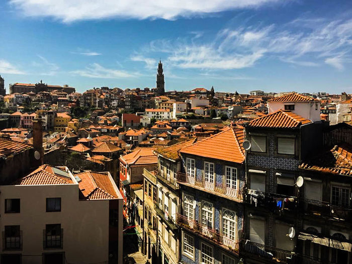 Ville côtière - Porto - Portugal EyeEmNewHere Memories Porto Portugal Travel Travel Photography Apartment Architecture Building Building Exterior Built Structure City Cityscape Cloud - Sky Europe House Old Buildings Outdoors Residential District Roof Sky Sunlight Thearchitect-2018eyeem Town Voyage The Architect - 2018 EyeEm Awards EyeEmNewHere