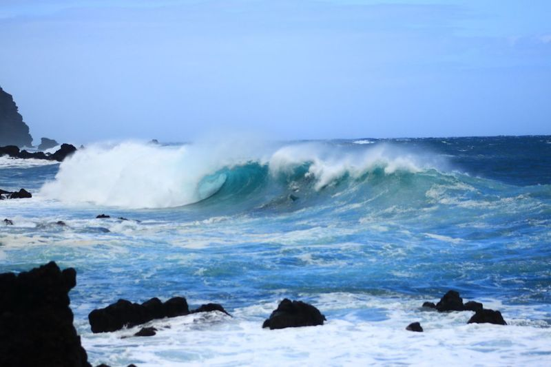 Mar de leva en Tenerife Sea Beauty In Nature Water Power In Nature Power Wave Scenics - Nature Aquatic Sport Splashing No People Nature Solid Rock - Object Non-urban Scene Motion Rock Sky Day Outdoors Breaking My Best Photo