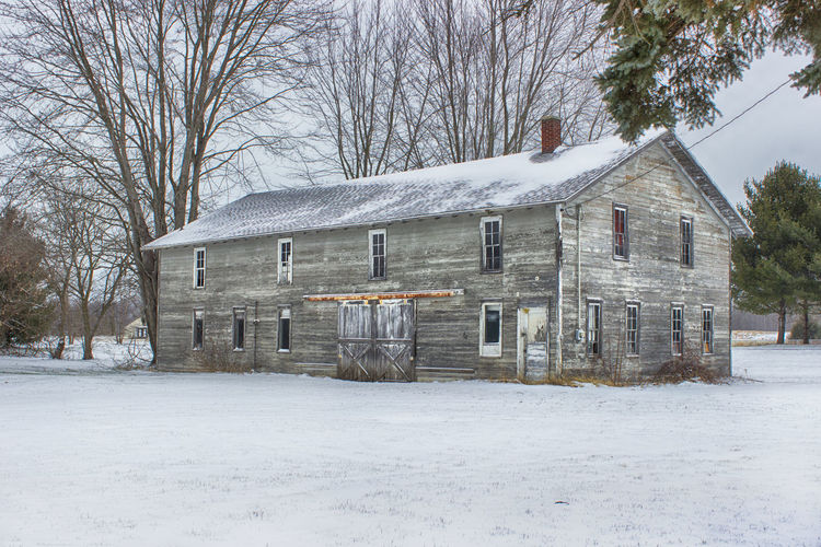 Architecture Architecture Bare Tree Barn Building Exterior Built Structure Cold Temperature Coloma, Michigan Country Day Faded Paint Landscape_photography Michigan Avenue No People Outdoors Outside Rustic Charm Snow Snow ❄ Tree Winter