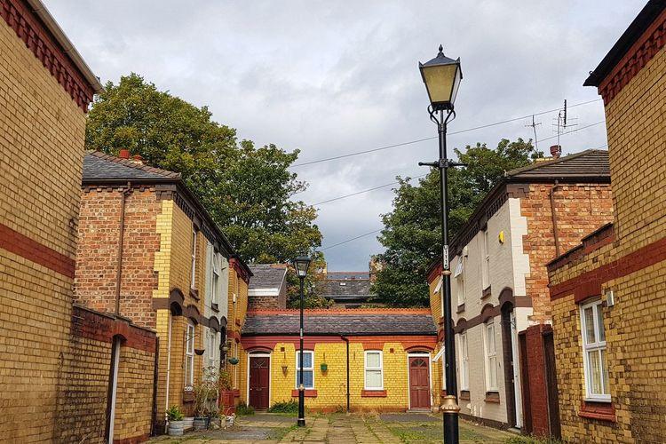 Lark Lane Housing Lark Lane Liverpool City Tree Sky Architecture Building Exterior Built Structure Palace King - Royal Person Lantern Renaissance