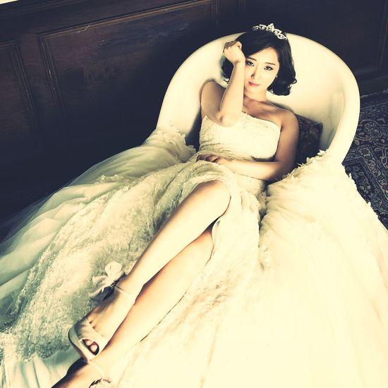 Check This Out Hi! Wedding Wedding Photography Dress Marriage  Wedding Photos Weddingshoes Bathtub Crown