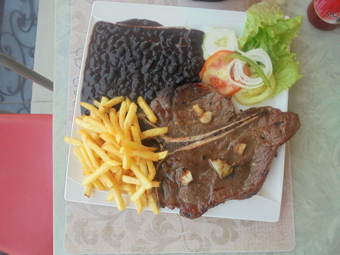 Having lunch at Ulengo Center Bonneappetie Diet & Fitness Lunch Time! TBones UlengoCenter