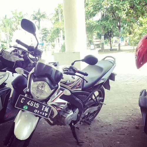 Motorku di balkot lama tegal :D