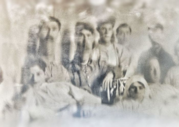Backgrounds Full Frame Close-up Indoors  Spectral Ghostly Phantoms Apparitions Eerie Eerie Photos Atmosphere Haunting  Atmospheric Haunting  Haunted Curiosity Spooky Monochrome Portrait People Eerie Beautiful Old Vintage Abstract Weird