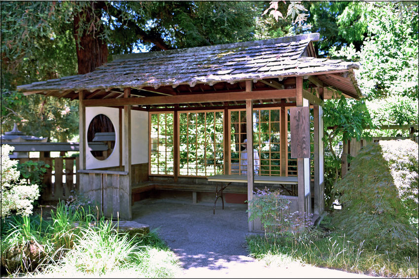 Seating area @ Merritt Gardens 1 Hidden Gems Lakeside Park Lake Merritt Oakland, Ca. Architecture: Japanese House Style Built & Installed By Jay Van Arsdale Carpentry Instructor At Laney College Funded By Creative Work Fund Lake Merritt Breakfast Club Garden Seating Garden_lovers Garden_collection
