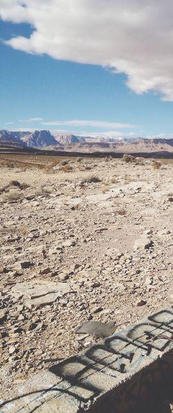 Las Vegas Nevada Mountains Lasvegas Nevada Desert Scenery Graffiti