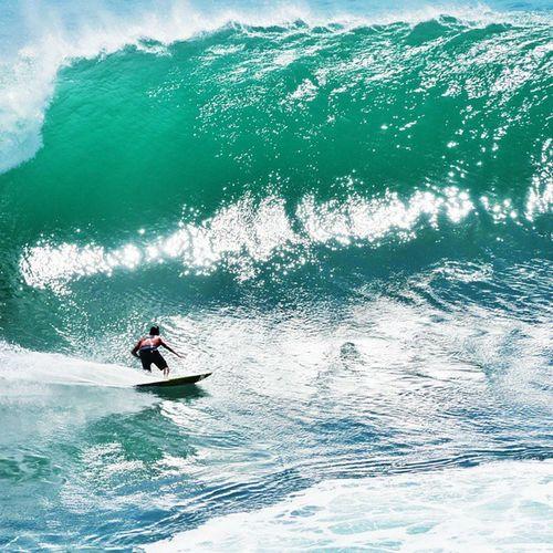 Get in to the Barrel ! 🏄🌊🌞☝☺💓 Sea Ocean Wave big padangpadang bali uluwatu indonesia surf surfer surfboard swell massive happy fun love ripcurl ripcurlcup