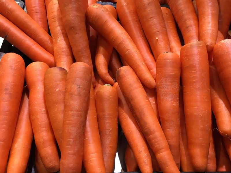 EyeEm Selects Pile of carrots Carrot Vegetable Orange Color Full Frame Market Food Food And Drink Retail  Backgrounds Healthy Eating Red No People Close-up Freshness Day Supermarket Indoors  Healthy Food Nutrition