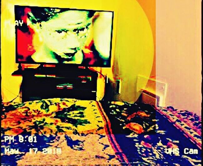 oui madamme Chic On Tv Messy Multi Colored Abstract