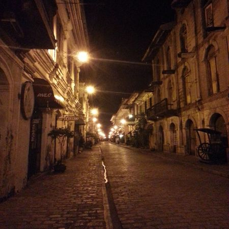 Calle Crisologo at night. Streetphotography Historical Sights
