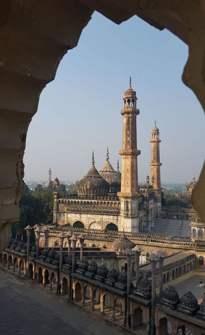 Travel Destinations Travel City Architecture Tower Built Structure Sky Outdoors Cultures Historical Monuments Lucknowdiaries Old Buildings Bara Imambara Place Of Worship Tourism Architecture Mosque Aasifi Mosque Dome Sunlight Lucknow Nawaboflucknow The Architect - 2018 EyeEm Awards