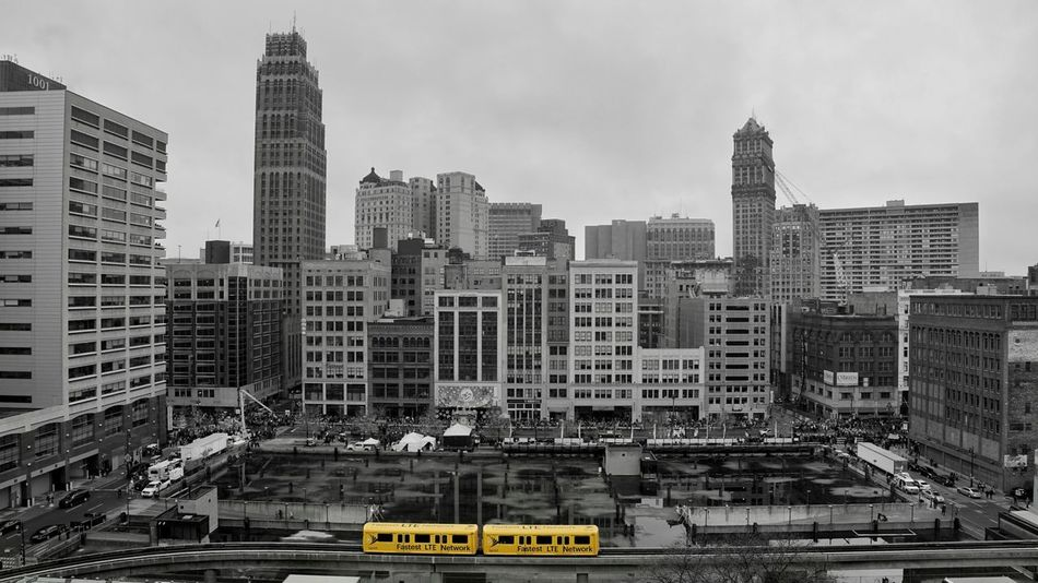people mover moving people Skyscraper Building Exterior Architecture City Cityscape Urban Skyline No People Paint The Town Yellow Detroitlove DetroitMichigan Detroit, MI EyeEmNewHere EyeEm Selects The Week On EyeEm EyeEm Transportation