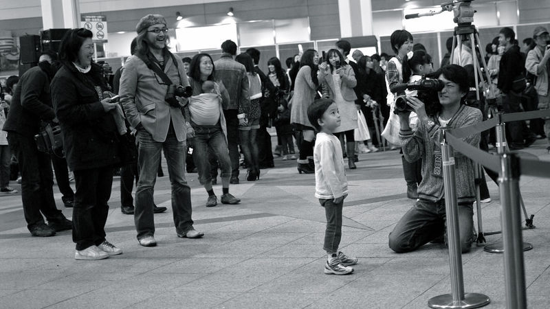 It Happened One Night Untold Stories : Kamome Hiroba, Nagasaki Eki Concourse 18:40 16:9 Crop 85mm Black And White Happy People Just One Shot Kidsphotography Nagasaki Station Novemberphotoaday People Photography Real People Reedit Streetphoto_bw カモメ広場 長崎駅