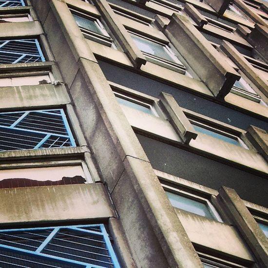 Eastend Eastenders Eastlondon Concrete concretejungle brutalist brutalistarchitecture brutalist_architecture brutaliststyle brutalistmovement thesmithsons robinhoodgarden robinhoodgardens