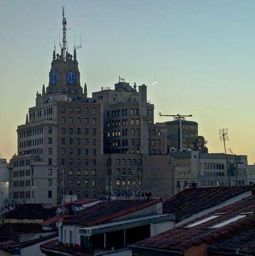 When in Madrid. Latergram Madrid Europe Sunset Sunsetlovers Bricks Rooftop Room007 Hostel HostelLife Traveling Holidays Chueca Views Olympus