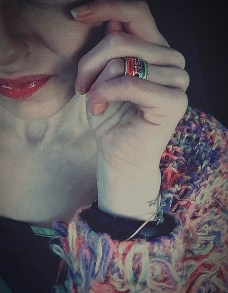 Mood Person Fingers Finger Hand Human Hand Smiling Lächeln Lips Happy People Happy Boho Bohemian Notperfect Colors Lippen Usta Ring Rings Schmuck Woman Piercing Nose Piercing Nose Nosering