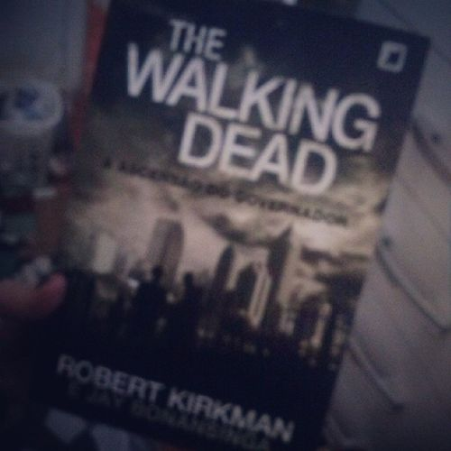 Meu bebe *----------* Thewalkingdead BookTheWalkingDead Livro  Lêr Read Amo loveBook