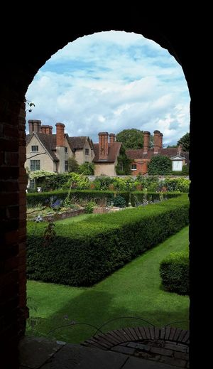 Packwood House Brick Arch Exceptional Photographs EyeEm Masterclass Architecture EyeEm Best Shots National Trust 🇬🇧 Cloud - Sky Arch Built Structure Residential Building Building Exterior EyeEmNewHere EyeEm Nature Lover EyeEm Best Shots - Nature England🇬🇧