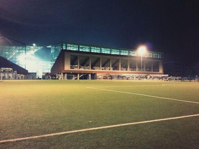 Football Training Field at Night. · Hamburg Germany 040 Hh Millerntor-Stadion FCSP Flutlicht Fussball Soccer Real Football Emptiness No People Urban Landscape Night Photography
