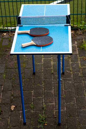Absence Blue Day Go-west-photography.com Goal Post Grass Leisure Activities Leisure Activity Leisure Games Mini No People Outdoor Outdoor Sports Outdoors Racket Small Soccer Field Sport Sports Table Tennis Table Tennis Table Table Tennis Ball Table Tennis Net