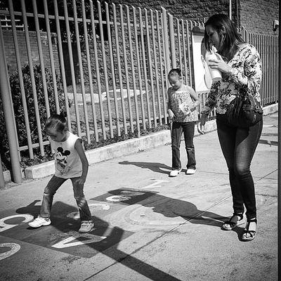 A jugar. Mobilephotography Streetphotography Igersguadalajara Jugar play kids brincar mexigers