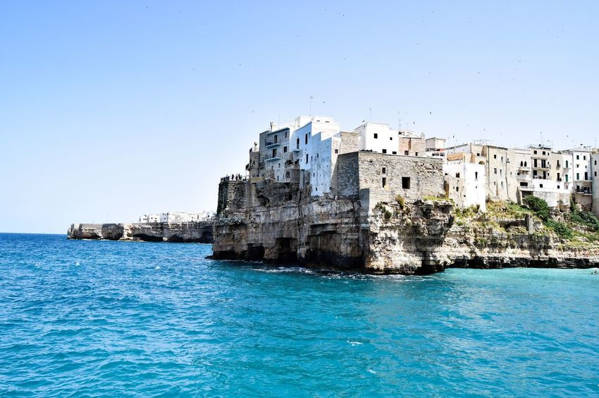 A really beatiful place Cityescape Wanderlust Travelphotography Sea Blue Traveler Travelover Traveltheworld Photography Silence Bari Polignano A Mare Italy