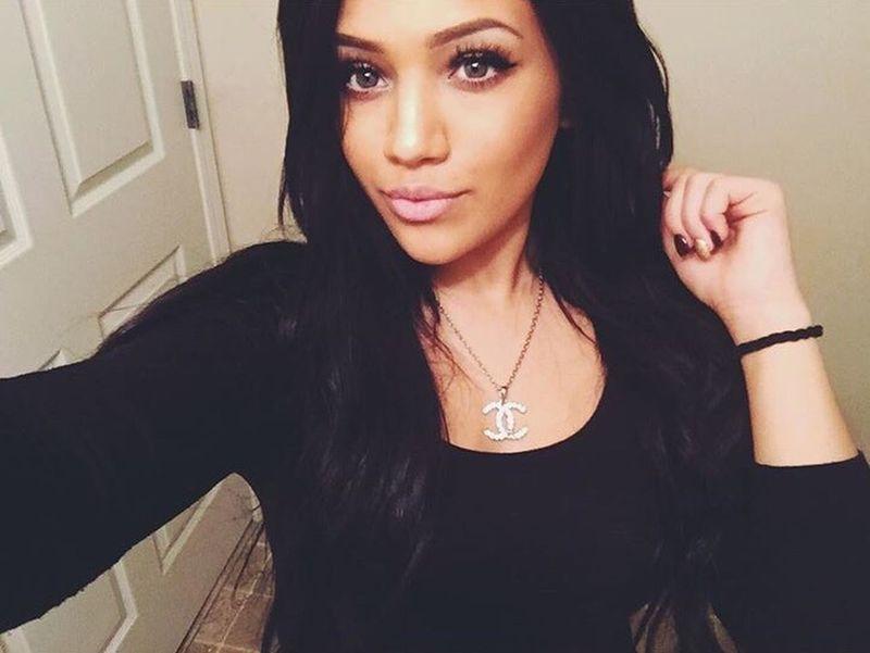 Kik Me Im Cute  Flawless Makeup Model Selfie Followme Perfect Beauty Ask Me Follow Makeup On Point Bored Channel Necklace
