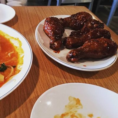 Celebrating national fried chicken day with some KFC (Korean fried chicken) Koreanfood Nationalfriedchickenday Chicken Friedchicken Spicy