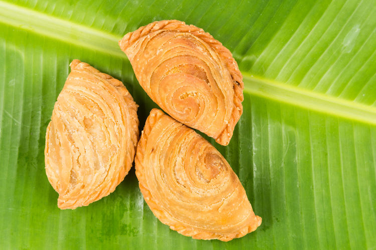 Malaysian Food Asian Food Banana Leaf Close-up Curry Puff Directly Above Food Food And Drink Freshness Green Color Healthy Eating Indoors  Leaf Leaves No People Plant Part Ready-to-eat Snack Still Life Studio Shot Wellbeing