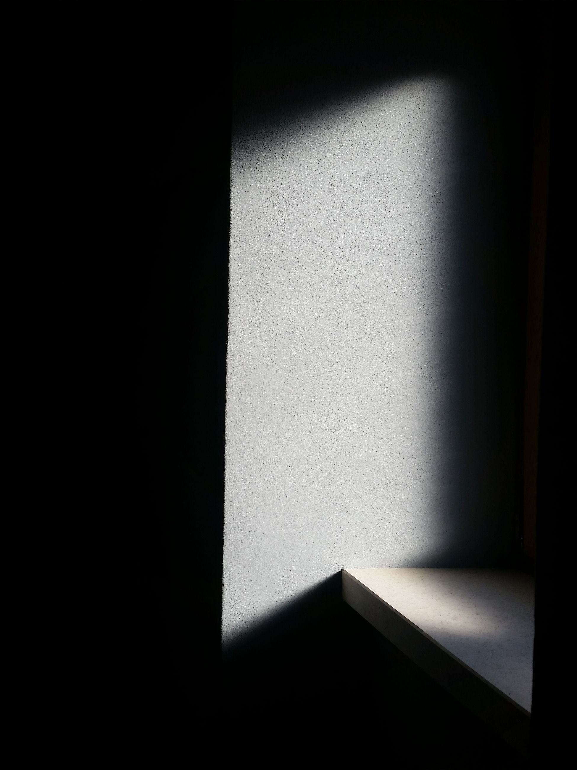 copy space, shadow, indoors, no people, sunlight, dark, falling, close-up, pattern, wall - building feature, architecture, shape, paper, geometric shape, nature, day, design, studio shot, absence, built structure, black background