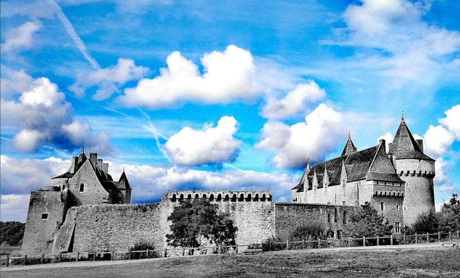 Bretagne Château De Suscinio Castle In Suscinio Castle Sky And Clouds Black Color City Sky Building Exterior Cloud - Sky Built Structure Ancient Ancient History