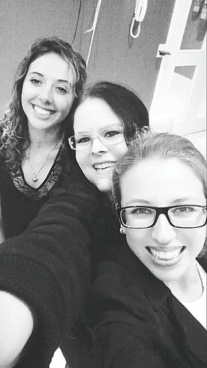 Shades Of Grey Reunião Amizade Meninas Girls Friendship