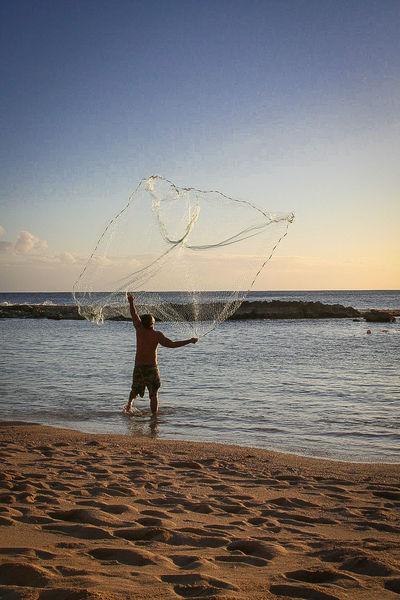 Casting A Net Fishing Hawaii Hawaiian Fisherman Hawaiishots Net Photography In Motion Here Here Belongs To Me Blue Wave