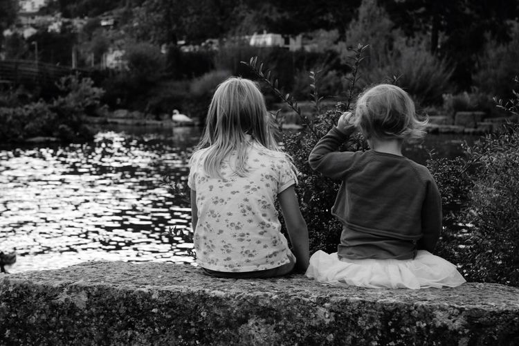 B&w Photography Kids Sister Canon 70d Lac Bienne Relaxing Hi!