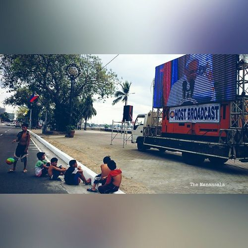BlessedByThePope Look how street children respond to Pope Francis presence PopeFrancisPh