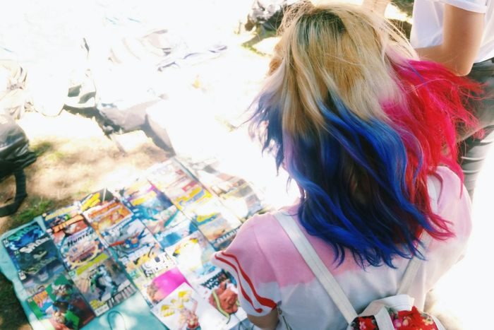 Hanging Out Taking Photos Check This Out Tbilisi Flea Market Street Photography Colors Colorful Hair I Love My City Haircolor The Street Photographer - 2017 EyeEm Awards